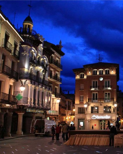 Teruel awaits for you A stroll th.rough history. Visit ...